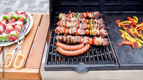Photo Barbecue en action sur la terrasse