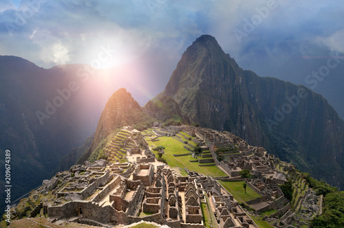 Poster Zuid-Amerika land Machu Picchu under sun lights with fictional weather situation perspective