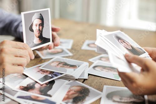 Fototapeta Choosing different polaroids obraz