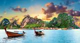 Fototapeta Fototapety z naturą - Paisaje idílico de playas y costas de Tailandia.Islas y mar de Phuket. Viajes de aventura y ensueño