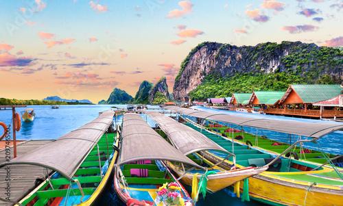 Papiers peints Piscine Paisaje idílico de playas y costas de Tailandia.Islas y mar de Phuket. Viajes de aventura y ensueño