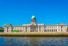 The Custom House Situated Next To The River LIffey In Dublin, Ireland