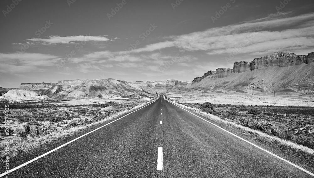 Fototapeta Black and white picture of a scenic road, Capitol Reef National Park, Utah, USA.