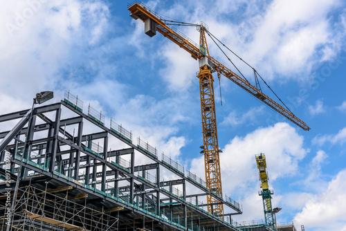 Photo  Gru di cantiere per costruzione edilizia