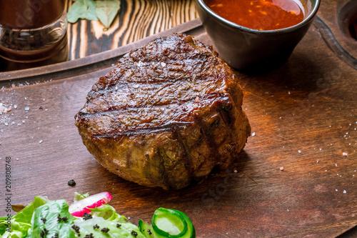 Photo  grilled steak filet Mignon