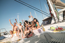 Party In A Yacht By Group Of Y...