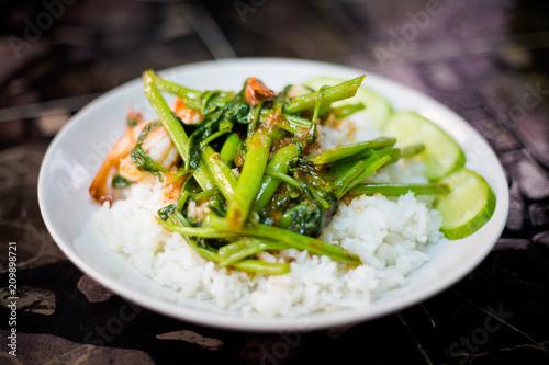 Kale and prawns thai stirfry