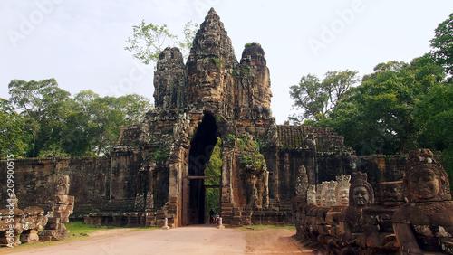 Tuinposter Bali South Gate of Angkor Thom, historical ruins of Angkor Khmer Empire, Siem Reap, Cambodia