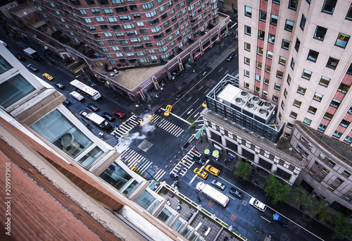 Foto op Plexiglas New York TAXI New York City 5th Ave Vertical