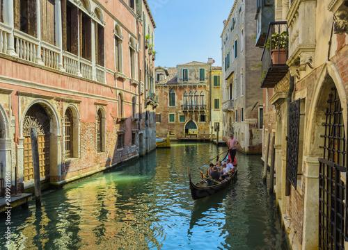 Plakat Wenecja kanał i gondola