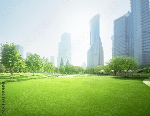 In de dag Aziatische Plekken park in lujiazui financial center, Shanghai, China