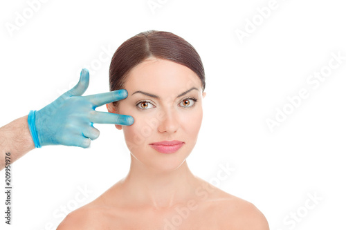 Obraz woman getting ready for eyelid lift plastic surgery - fototapety do salonu