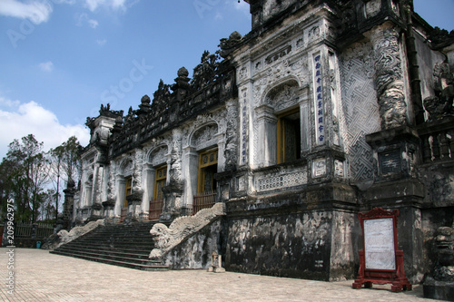 Poster Oude gebouw Thien Dinh Palace, Vietnam