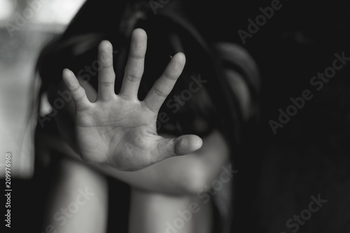Fotografía  Women lift the palm,Stop sexual abuse , anti-trafficking and stopping violence a