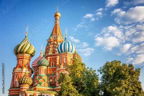 Foto op Canvas Aziatische Plekken Domes of the famous Head of St. Basil's Cathedral on Red square, Moscow, Russia