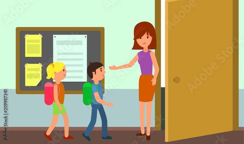Fotografía  Kids enter classroom background