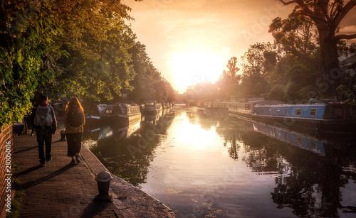 Cuadros en Lienzo Little Venice Canal and Boats, London, England