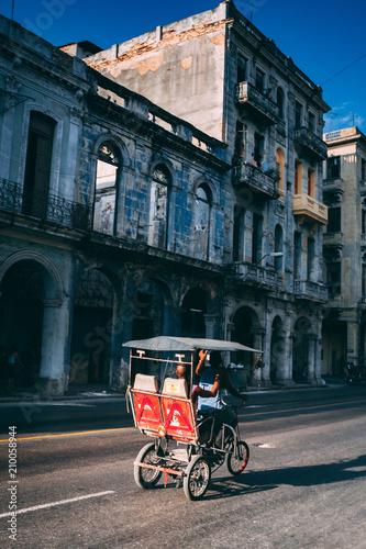 Photo  bicycle taxila habana