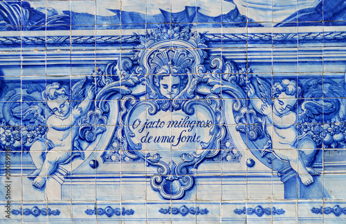 Photo Religious scene in Portuguese blue and white tiles