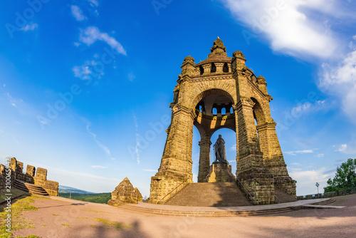 Tuinposter Historisch mon. Kaiser Wilhelm Monument, Porta Westfalica, Germany