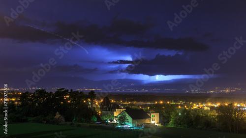 In de dag Onweer orage sur le lac léman