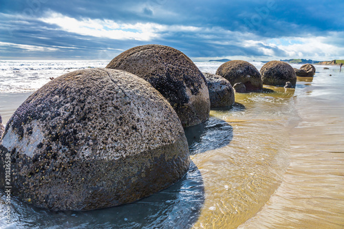 Photo Boulders Moeraki -  spherical boulders