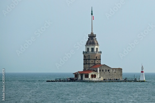 Photo  ISTANBUL, TURKEY - MAY 24 : View of Maiden's Tower in the Bosphorus in Istanbul Turkey on May 24, 2018
