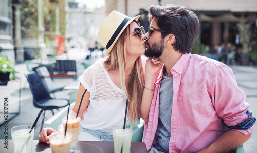 Dating vox ac50