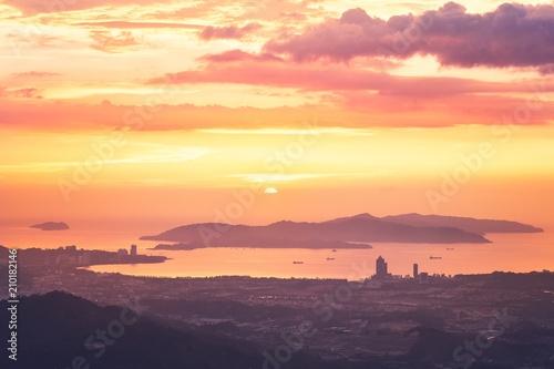 Foto op Canvas Asia land Kota Kinabalu at sunset