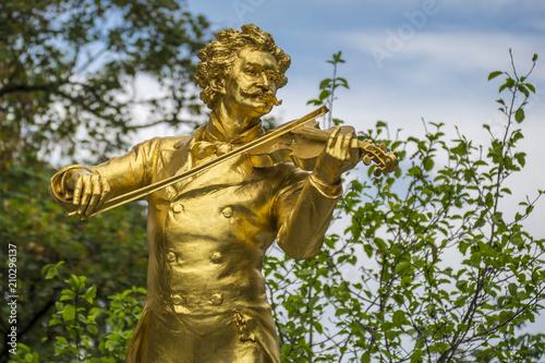 Cuadros en Lienzo Monument to the composer Johann Strauss II, 1825-1899, Stadtpark municipal park,