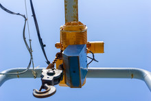 Hook And Electrical Winch Use ...