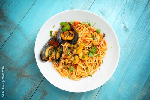 Spaghetti con sugo e cozze, Mediterranean food Fototapeta