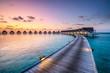 canvas print picture - Romantischer Sonnenuntergang in einem Luxushotel