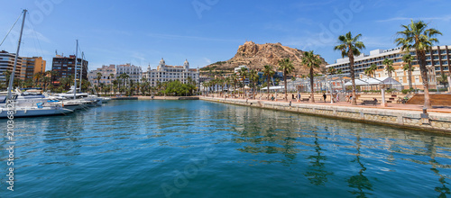 Photo alicante harbor spain