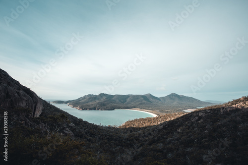 Foto op Canvas Zwart Waves and Beach Tasmanian Landscape of Wineglass Bay