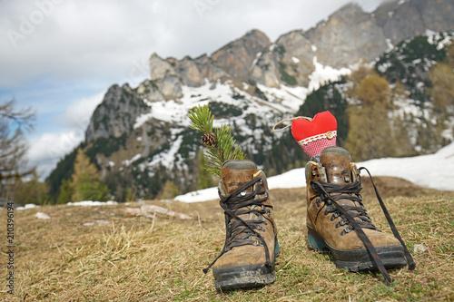Poster Camping Wanderschuhe am Gipfel