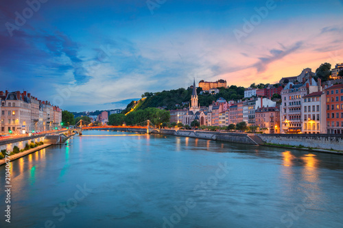 Papiers peints Inde Lyon. Cityscape image of Lyon, France during sunset.