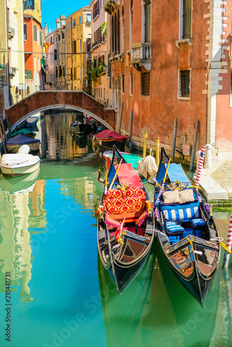 Foto op Plexiglas Venetie two gondolas in Venice, Italy
