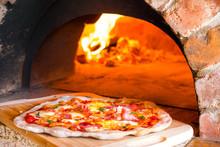 Rustic Home-made Pizza Prosciu...