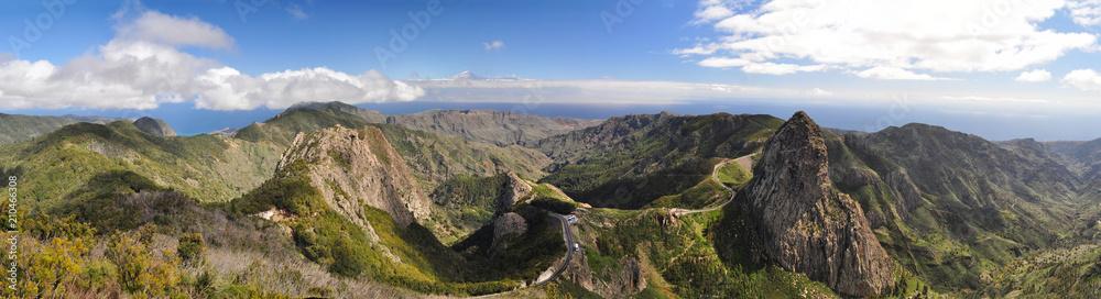 Fototapeta Mountains on the island La Gomera on the Canary Islands in Spain - in the background the Teide on Tenerife // La Gomera auf den kanarischen Inseln in Spanien - im Hintergrund der Teide auf Teneriffa