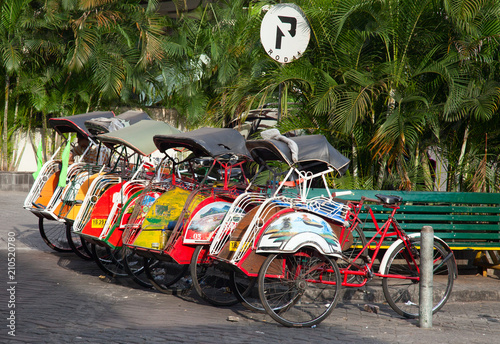 Foto op Plexiglas Indonesië Bicycle rikshaw