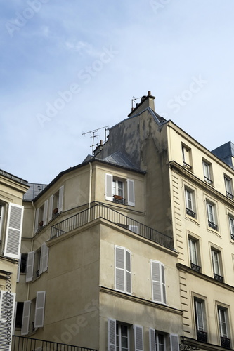 Fotografie, Obraz  Immeuble ancien, façade découpée.