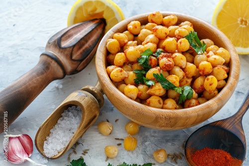 Bowl with spicy chickpeas.