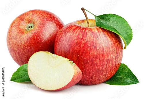 Fototapeta Jabłko  dojrzale-owoce-czerwone-jablko-z-plasterkiem-jablka-i-zielonych-lisci-jablka-na-bialym-tle