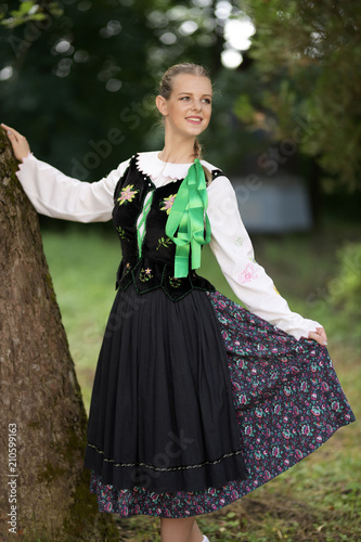 Papiers peints Carnaval Slovak folk dancer