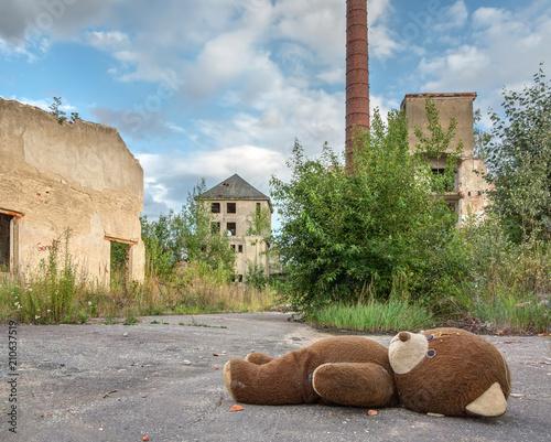 Poster Oude verlaten gebouwen Abandoned and dilapidated factory