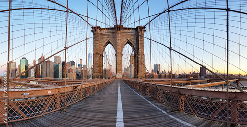 Staande foto New York City View of Brooklyn Bridge and Manhattan skyline
