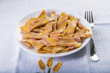 Pasta Italiana Para La Comida, Garganelli A La Boloñesa