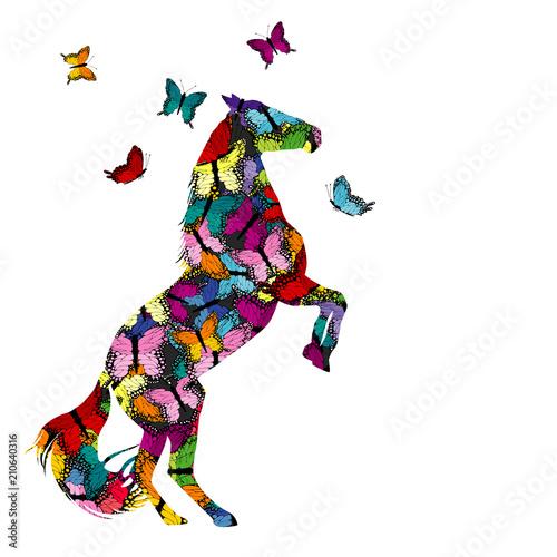 Kolorowa ilustracja z wzorzystym koniem i motylami