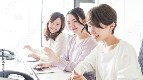 Obraz 女性のビジネスシーン - fototapety do salonu